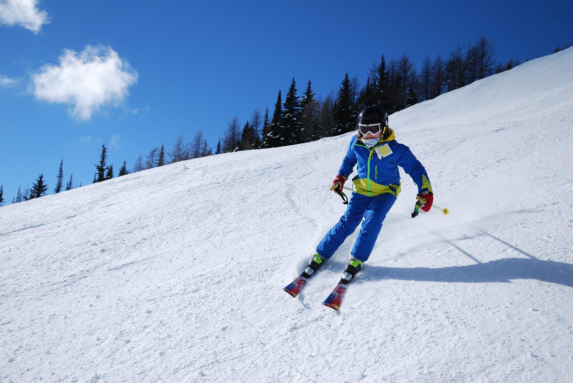 Wyjazdy narciarskie dla dzieci i dorosłych - zdrowe hobby na zimę