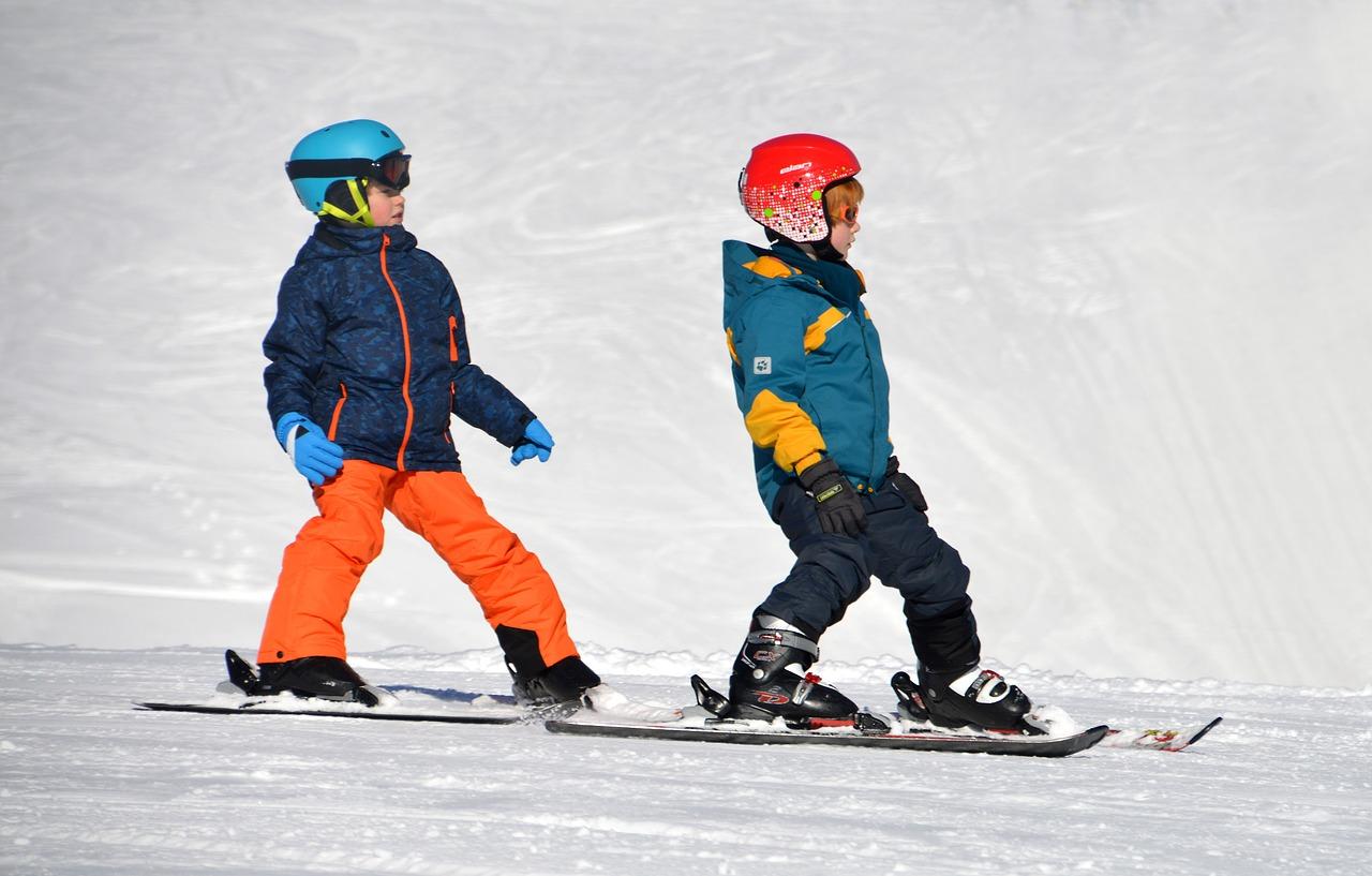 Dlaczego warto wyjechać na obóz narciarski?